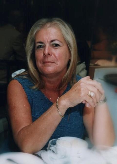 Lynda Scott (Small)